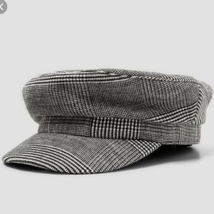Zara Accessories Bundle (Baker boy hat + Belt)